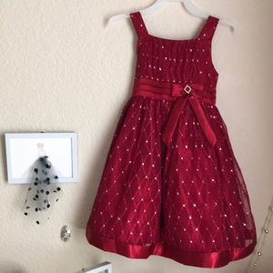 Love dress. Size 6. Colors burgundy & silver.